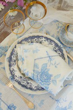 La Vie En Rose Linen Napkin Set