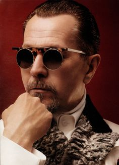 Gary Oldman... I had to laugh when I saw this photo originally came from a blog called 'Sexy Old Dudes'-- and some of the guys pictured were my age or younger!