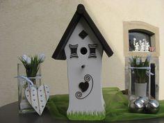 Wunderschönes Vogelhaus für Ihren Garten