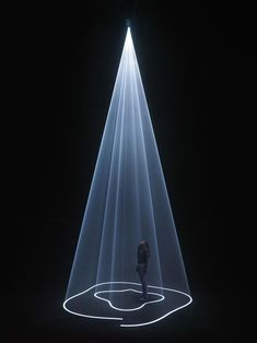 The sculptural qualities of a beam of light - Anthony McCall