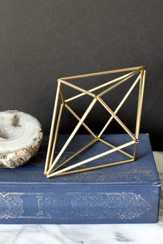 Once I got started making himmeli-inspired shapes, I couldn't stop. The only thing that stopped me from making brass versions of the other straw prototypes I came up with was that my hands we… - Diy Crafts for The Home Gold Diy, Geometric Decor, Geometric Shapes, Diy Straw, Straw Art, Straw Crafts, Diy Inspiration, Wood Floating Shelves, How To Make Diy