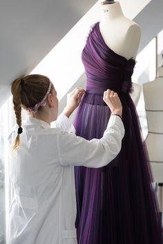 Style Couture, Couture Details, Haute Couture Fashion, Emilia Clarke, Charlotte Le Bon, Christian Dior, Diy Fashion, Luxury Fashion, Fashion Design