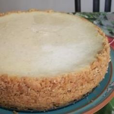Vanilla Bean Cheesecake Recipe - just made this, except with a classic graham cracker crust! yum!