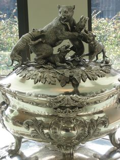 Winterthur Campbell Collection of Soup Tureens (1200×1600)
