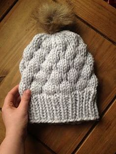 For this beanie I used a very very thick yarn, bordering on jumbo thickness. If you only have bulky weight yarn available I would recommend holding two strands together.