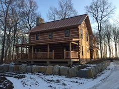 Log Cabin Living, Log Cabin Homes, Log Cabins, Log Homes Exterior, How To Build A Log Cabin, Cabin In The Woods, Cabin Floor Plans, Best Insulation, Timber House