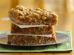 Easy Caramel Apple Bars