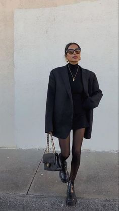 Winter Fashion Outfits, Fall Winter Outfits, Look Fashion, Cold Spring Outfit, Adrette Outfits, Cute Casual Outfits, All Black Outfit Casual, Concert Outfits, Lederhosen Outfit