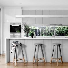 10 Jaw-Dropping Ideas: French Minimalist Decor Wall Colors minimalist home interior tiny houses.Minimalist Home Dark Colour minimalist bedroom diy organizations.Minimalist Bedroom Teen Home Decor. Minimalist Kitchen, Minimalist Decor, Minimalist Living, Minimalist Bedroom, Modern Minimalist, Grey Kitchens, Cool Kitchens, Modern Kitchens, Modern Homes