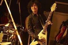 5月10日にミニアルバム『PILOT』をリリースしたTHE YELLOW MONKEYのギタリスト