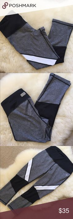 Nicole Miller Activewear Capri Leggings Worn a few times and is still in great condition. Nicole Miller Pants Leggings