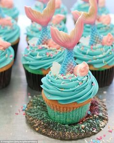 Specialty: My Delight Cupcakery in Ontario, Canada offered this mermaid cupcake for a limited time cupcakes anniversaire decoration licorne noël recette recipes cupcakes Disney Cupcakes, Mermaid Birthday Cakes, Birthday Cupcakes, 5th Birthday, Cupcake Recipes, Cupcake Cakes, Mermaid Cupcake Cake, Little Mermaid Cupcakes, Cupcake Frosting