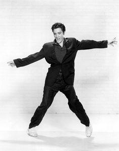 1950s Photograph - Elvis Presley by Everett