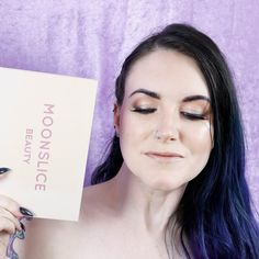 I share this gorgeous peachy nude indie beauty makeup look featuring the Moonslice beauty Moonshake Palette! Makeup by WWE Makeup Artist Mickey Fitzpatrick.