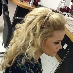 Pretty Rope Braided Headband on Long Messy Hairstyles for Prom to Mesmerize Anyone Haircuts For Long Hair, Messy Hairstyles, Pretty Hairstyles, Wedding Hairstyles, Graduation Hairstyles, Pageant Hair, Prom Hair, Braut Make-up, Long Wavy Hair
