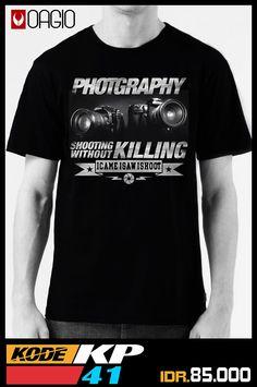 Kaos Distro Photography Nikon KP41 - Kaos Distro masih menyasar pasar komunitas fotografer dengan desain kaos gambar kamera. Bahan katun combed 24s hitam, ukuran M, L, dan XL. Kaos distro Bandung harga murah Rp 85.000
