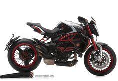 MV-AGUSTA Brutale 800 Dragster RR LH44 2016 http://www.motoprogress.com/marque-de-moto-mv-agusta/