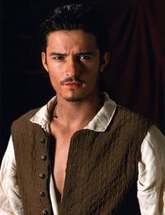Orlando Bloom in Pirates of the Caribbean: The Curse of the Black Pearl Will Turner, Johnny Depp, Pirates Of The Carribeans, Good Comedy Movies, Imdb Movies, Orlando Bloom Legolas, Captain Jack Sparrow, Maria Jose, Cute Actors