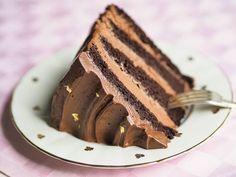Silkinpehmeä Suklaakreemi (täyte ja kuorrutus) How To Make Cake, Food To Make, Vegan Desserts, Dessert Recipes, Sweet Cakes, Let Them Eat Cake, Healthy Treats, No Bake Cake, Baking Recipes