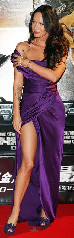 Megan Fox Shows A Lot Of Leg At 'Transformers' Premiere