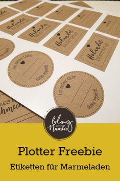 Plotter Freebie: Blanko Etiketten Free file for blank labels. These can be wonderfully used for jams, liqueurs and other kitchen stuff. In the attached video, I also show you how you can easily customize the labels. Diy Stationery Paper, Diy Stationery Organizer, Silhouette Cameo Freebies, Blank Labels, Labels Free, Liqueur, Baby Supplies, Baby Crafts, Print And Cut