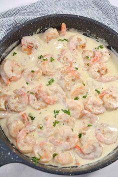 Creamy Garlic Shrimp Cooking With White Wine, Cooking Wine, Just Cooking, Cajun Cooking, Shrimp Dishes, Shrimp Recipes, Pasta Dishes, Fish Recipes, Yummy Recipes