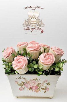 ♥ Pink Rose Cupcake Bouquet