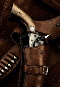 Colt revolver and handmade leather belt and holster Rifles, Rifle Winchester, Cool Guns, Awesome Guns, Le Far West, Guns And Ammo, Tactical Gear, Airsoft, Firearms