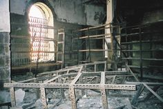 Bayt al-Hikma, burnt out interior, May 2003