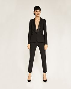 Zara Has The Prettiest Holiday Styles Ever Black Pant Suit, Black Skinny Pants, Tuxedo Pants, Blazers For Women, Suits For Women, Cigarette Pants Outfit, Trousers Women Outfit, Pantalon Slim Noir, Zara 2016