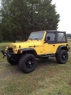 My dad rebuilt a jeep and it looked like this when it was done… I loved it! sold it though… 🙂 My dad rebuilt a jeep and it looked like this when it was done… I loved it! sold it though… 🙂 Two Door Jeep Wrangler, Yellow Jeep Wrangler, 2 Door Jeep, Jeep Tj, Jeep Wrangler Unlimited, Jeep Wrangler Soft Top, Jeep Cars, Jeep Truck, My Dream Car