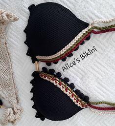 Nenhuma descrição de foto disponível. Crochet Blouse, Crochet Bikini, Knit Crochet, Baby Knitting Patterns, Baby Patterns, Crochet Clothes, Diy Clothes, Bikini Inspiration, Bikini Bodies