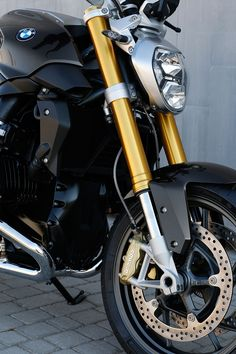 BMW motorrad R 1200 R at EICMA fires up with keyless ignition