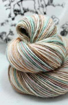 Handspun Yarn Gently Thick and Thin Single by SheepingBeauty