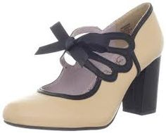 Get the look: best vintage-style flapper shoes 1920s Flapper Shoes, 1920 Shoes, Flapper Style, Vintage Shoes, Flapper Era, Vintage Closet, Shoe Image, Mary Jane Pumps, Kinds Of Shoes