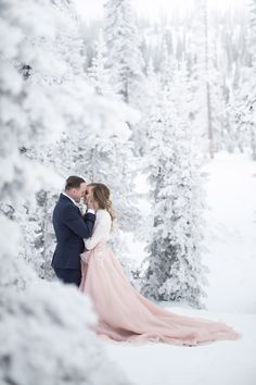 Digital Wedding Photography Tips – Fine Weddings Alaska Wedding, Snow Wedding, Winter Wonderland Wedding, Elope Wedding, Wedding Poses, Wedding Photoshoot, Wedding Shoot, Dream Wedding, Wedding Ideas