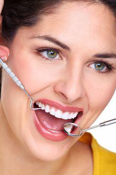 Aplica el blanqueamiento dental para tener los dientes más blancos