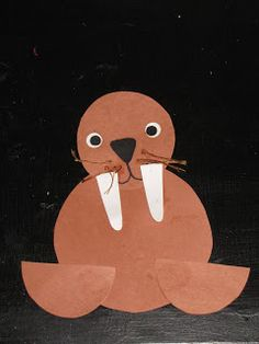 Cute walrus craft.  Could also be made with paper plates.  #kindergarten
