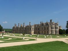 Kirby Hall is one of England's greatest Elizabethan and 17th-century houses.