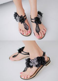 Today's Hot Pick :Fray Petal Thong Sandals http://fashionstylep.com/SFSELFAA0008568/bapumken1/out High quality Korean fashion direct from our design studio in South Korea! We offer competitive pricing and guaranteed quality products. If you have any questions about sizing feel free to contact us any time and we can provide detailed measurements.