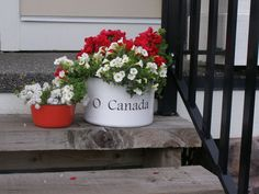 o canada canada day porch planter, container gardening, flowers, gardening Canada Day 150, Happy Canada Day, Canada Eh, Visit Canada, Canada Day Crafts, Canada Day Party, Backpacking Canada, Canada Holiday, Candy Stations