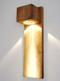 Diy lamp ideas wood decor 64 ideas for 2019 Wood Lamps, Wooden Wall Lights, Living Room Lighting, Room Lights, Wooden Diy, Wooden Pallets, Lamp Design, Light Decorations, Light Fixtures