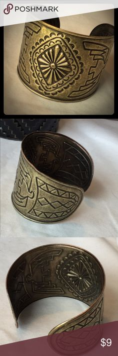 Gold Aztec Cuff This is an antique-ish gold finish Cuff for all your boho outfits! No signs of wear and in like new condition. I only wore it maybe twice. This cuff has a nice weight and not flimsy. Jewelry Bracelets