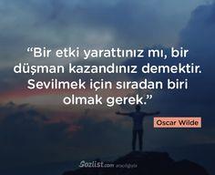 """""""Bir etki yarattınız mı, bir düşman kazandınız demektir. Sevilmek için sıradan biri olmak gerek."""" #oscar #wilde #sözleri #yazar #şair #kitap #şiir #özlü #anlamlı #sözler"""