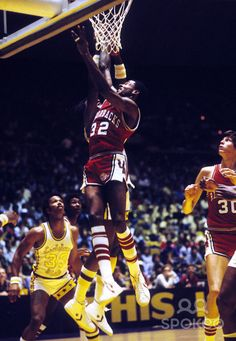 arkansas basketball sidney moncrief | Arkansas guard Sidney Moncrief (32) in action against LSU.