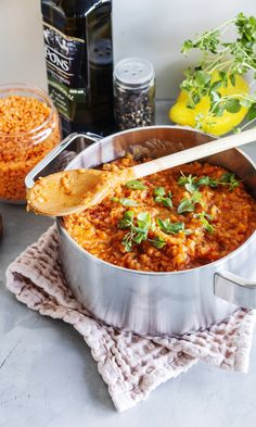 Linssibolognese | Meillä kotona Vegetarian Recipes, Cooking Recipes, Healthy Recipes, Healthy Food, Salty Foods, Chana Masala, Food Inspiration, Macaroni And Cheese, Meal Planning