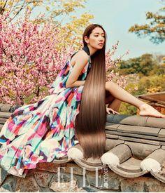 A la par de su participación en #Doctors, reciente #dorama donde interpreta el papel de Yoo Hye Jung, la también modelo #ParkShinHye nos muestra su lado más sofisticado: #unnie #oppa #saranghae #kpop #kdrama #YooHyeJung #korealover #kpoper #kpop #hallyu #chingu #modacoreana #koreanfashion #korea #corea