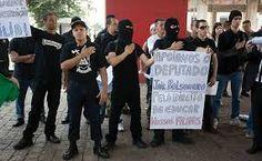 champanhe estourando Luis Inácio lula da Silva foi em preso pela Policia Federal !