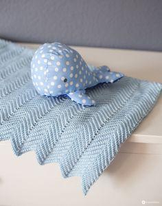 DIY baby blanket with zigzag pattern crochet DIY gift idea for birth DIY baby … - Babysachen Easy Blanket Knitting Patterns, Crochet Blanket Patterns, Baby Blanket Crochet, Baby Patterns, Easy Knitting, Easy Baby Blanket, Blankets For Sale, Knitted Baby Blankets, Zig Zag Pattern