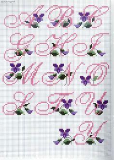 letras con flores moradas a